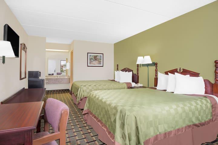 Guest room at the Days Inn Eufaula AL in Eufaula, Alabama