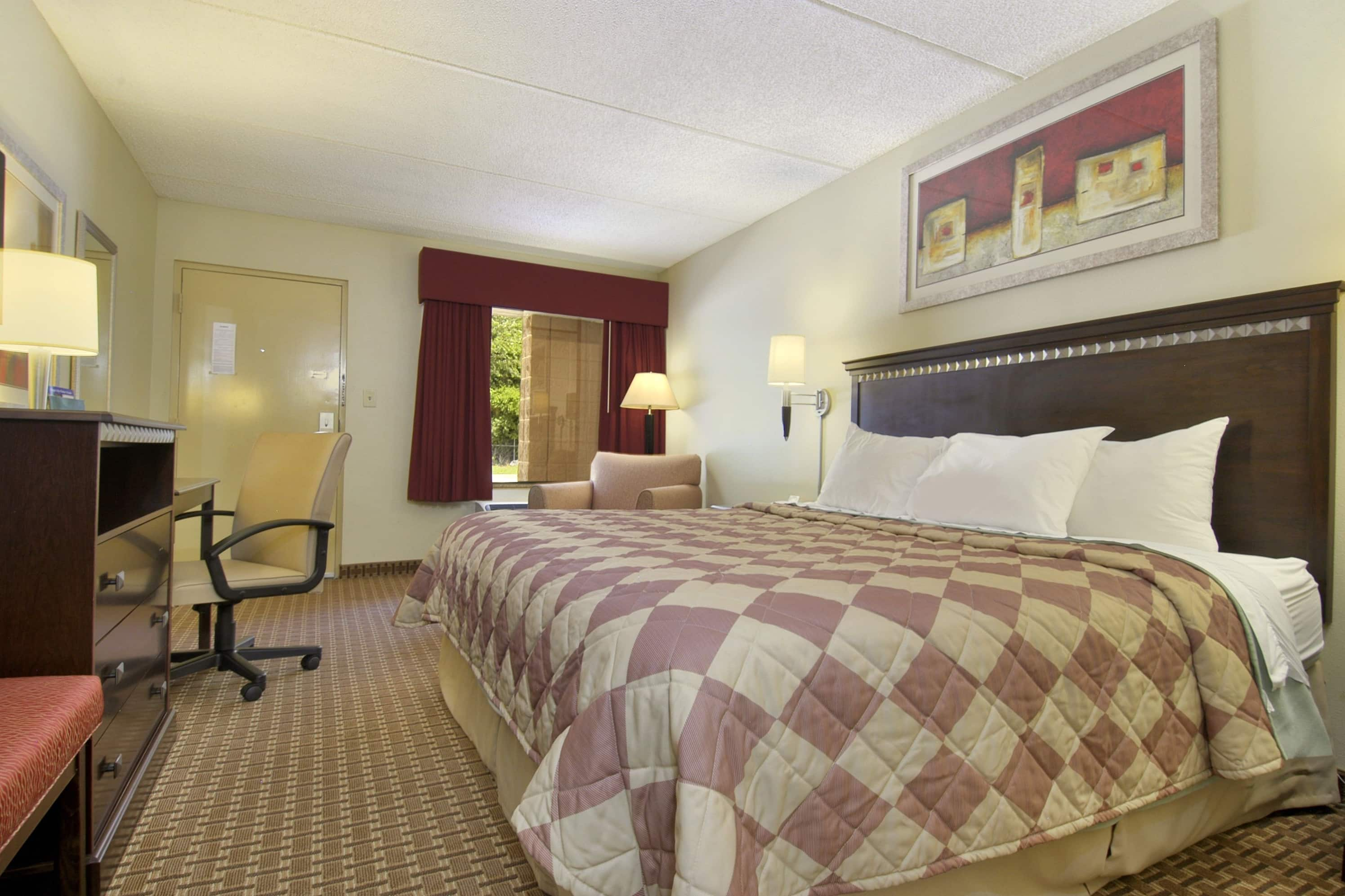 Guest room at the Days Inn Leeds in Leeds, Alabama