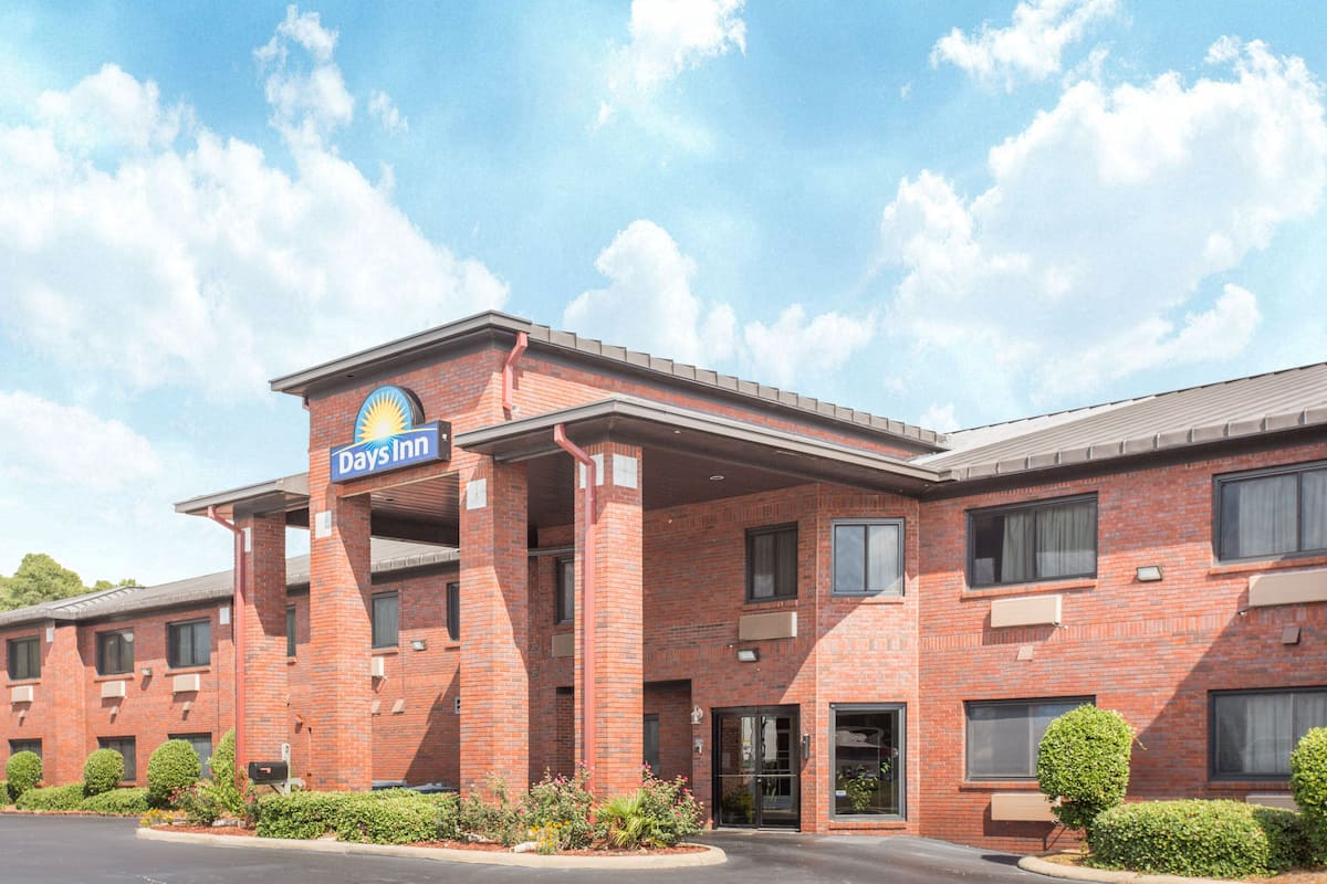 Days Inn Phenix City Near Fort Benning | Phenix City Hotels, AL 36867