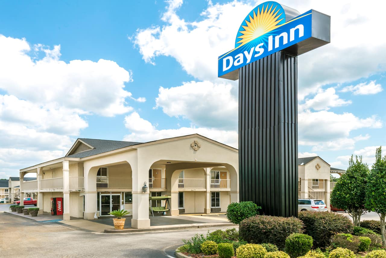 at the Days Inn Shorter in Shorter, Alabama