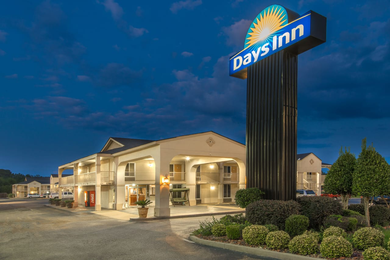 Days Inn Shorter in Shorter, Alabama