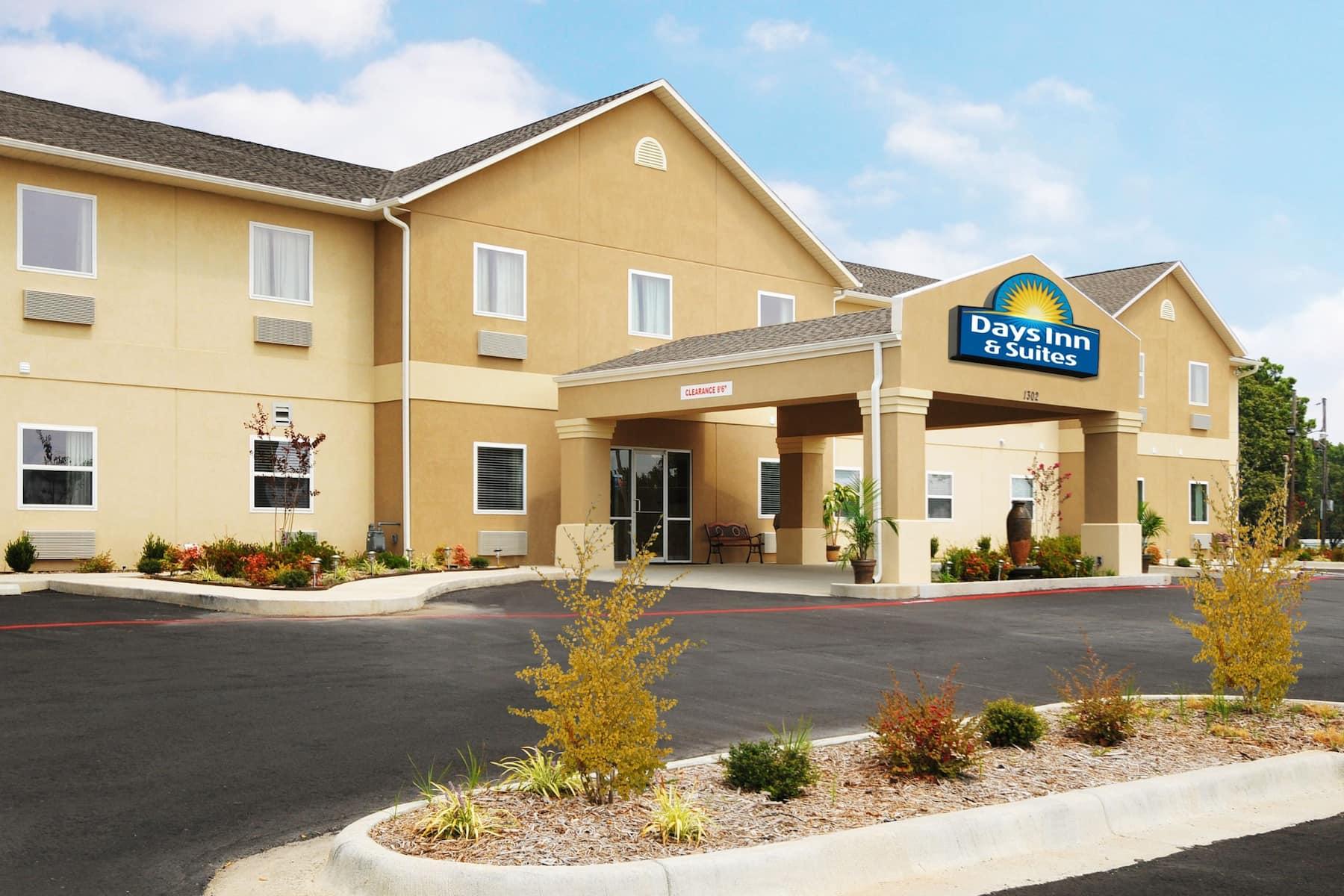 Exterior of Days Inn & Suites by Wyndham Cabot hotel in Cabot, Arkansas