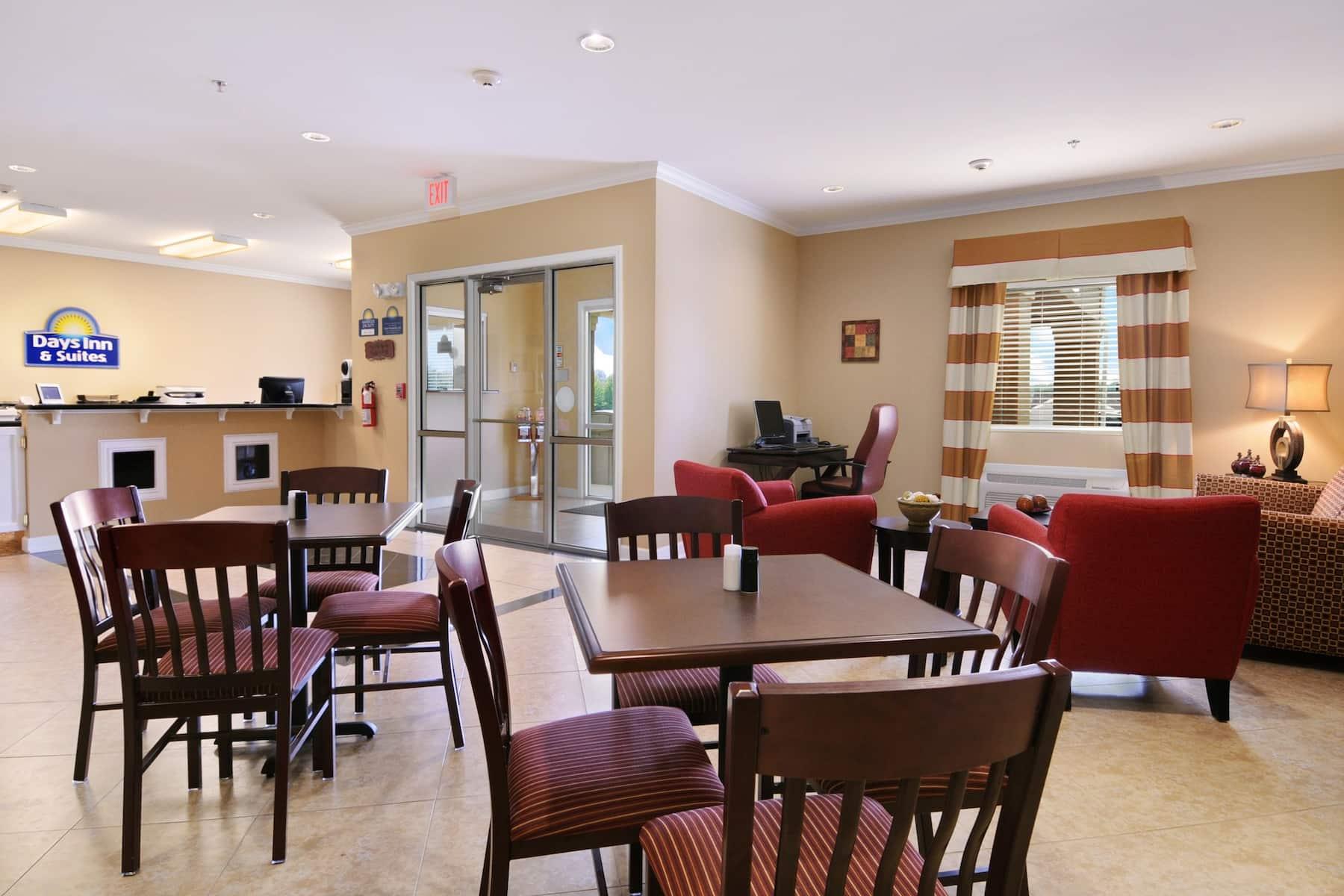 Days Inn & Suites by Wyndham Cabot hotel lobby in Cabot, Arkansas