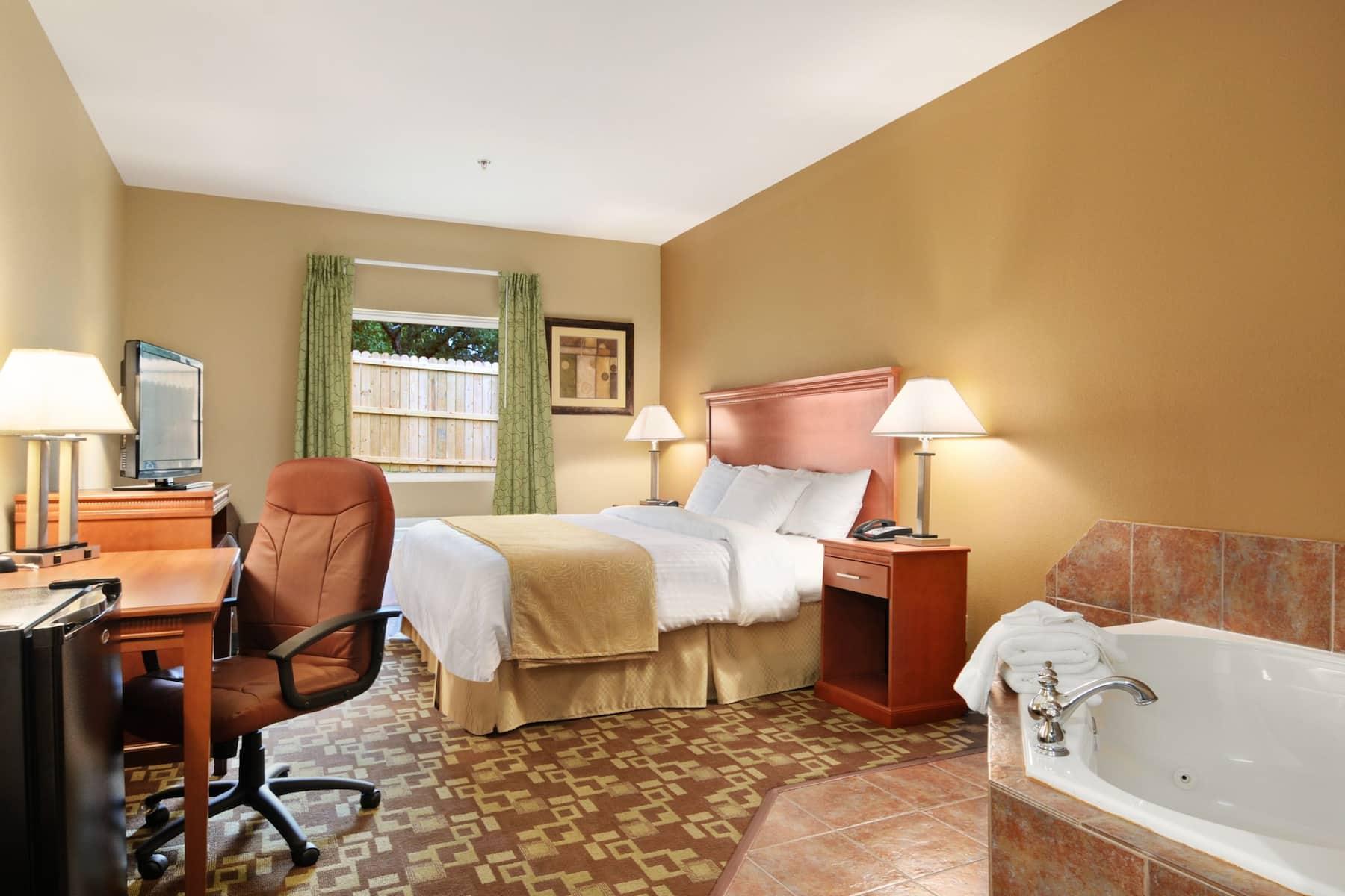 Days Inn & Suites by Wyndham Cabot suite in Cabot, Arkansas