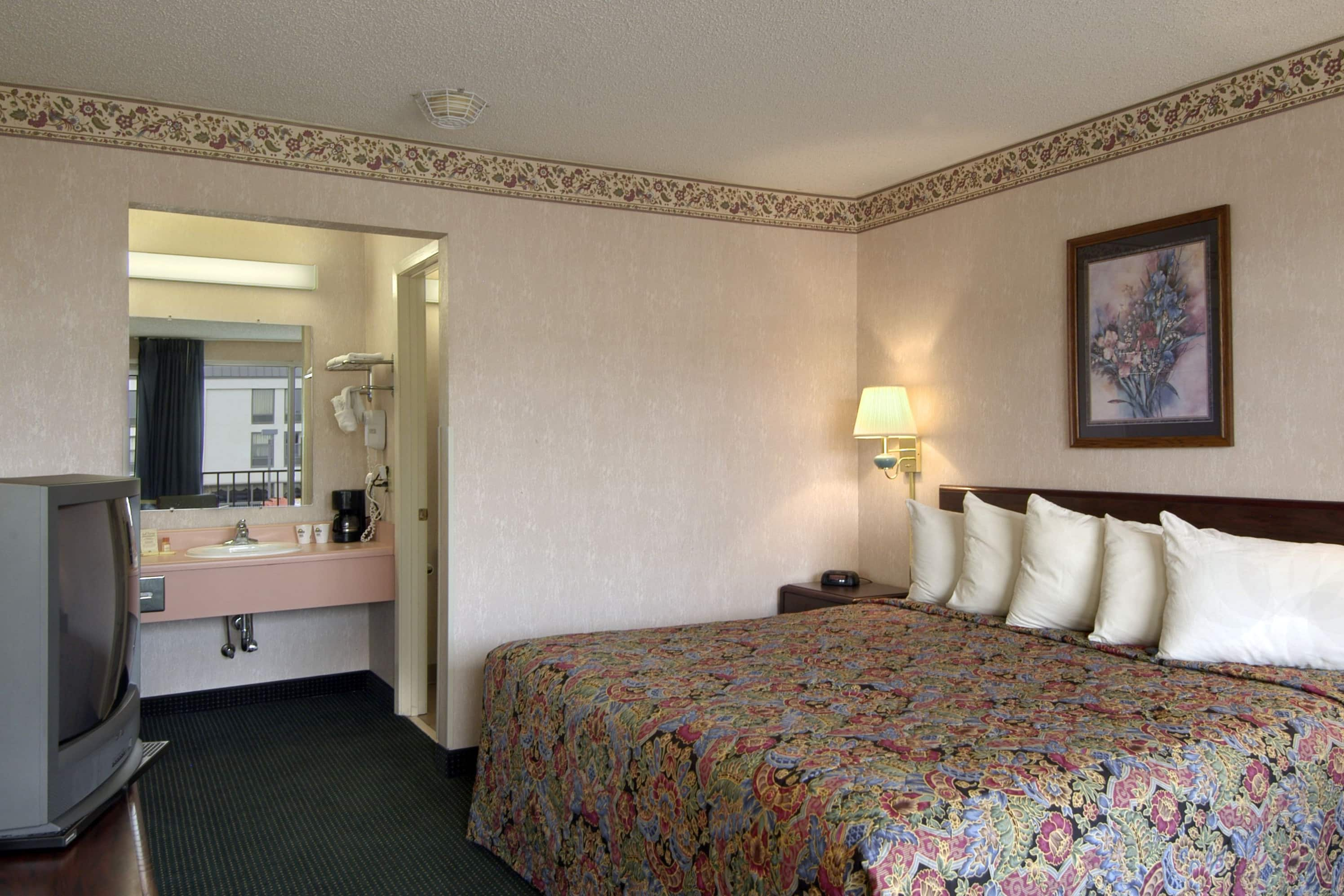 Guest room at the Days Inn Jonesboro AR in Jonesboro, Arkansas