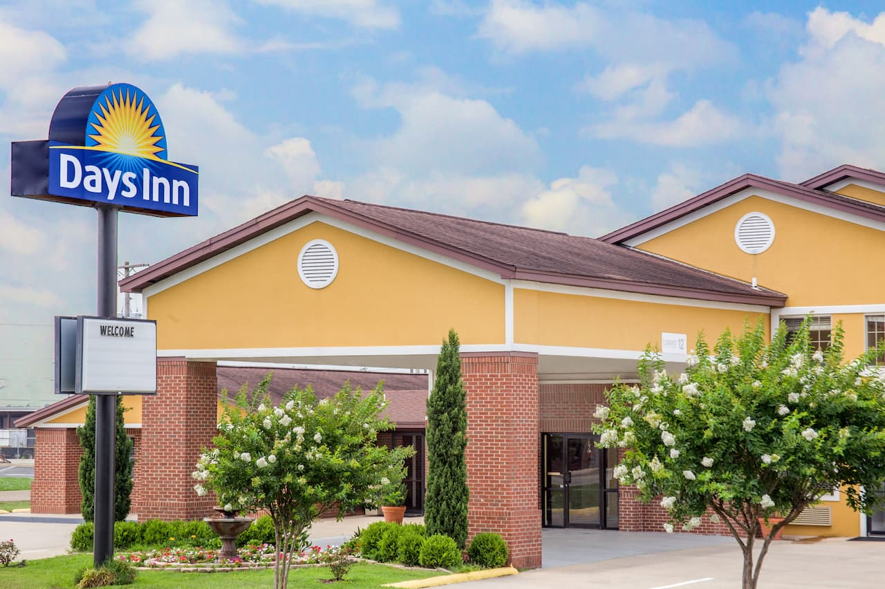 Days Inn Lake Village in  Greenville,  Mississippi
