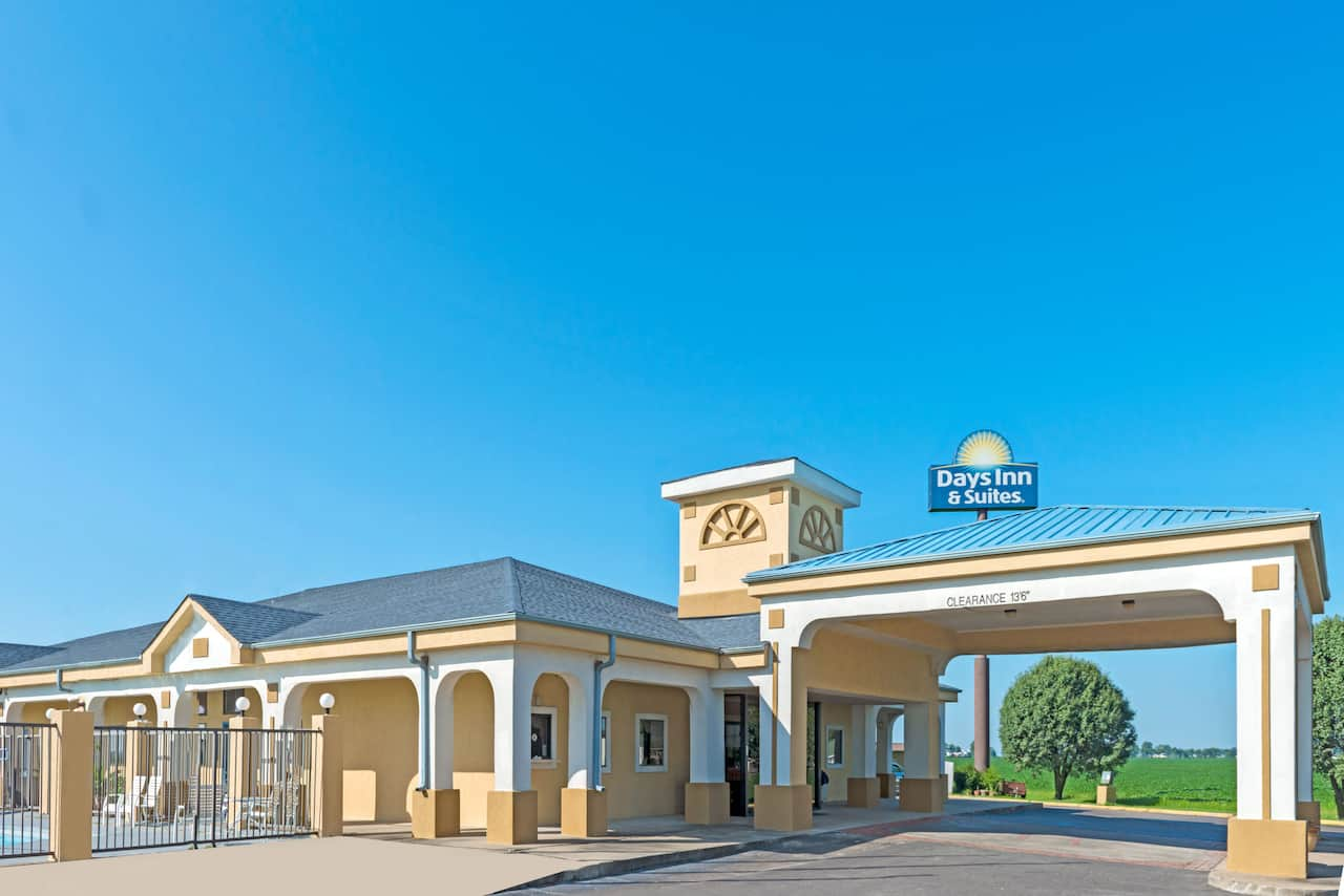 Days Inn & Suites Osceola AR in Blytheville, Arkansas