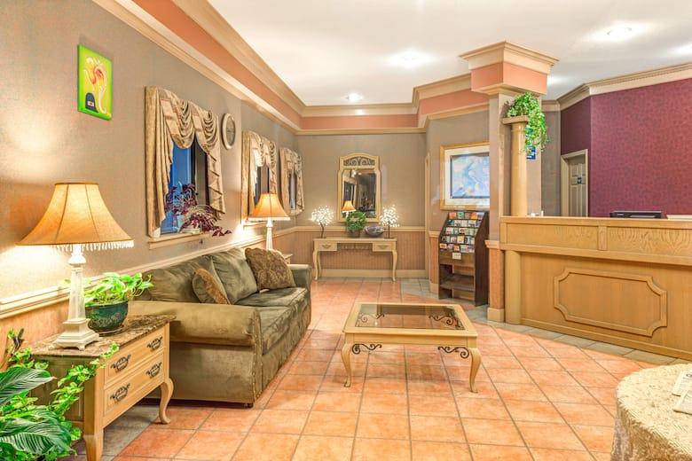 Days Inn Suites By Wyndham Osceola Ar Hotel Lobby In Arkansas