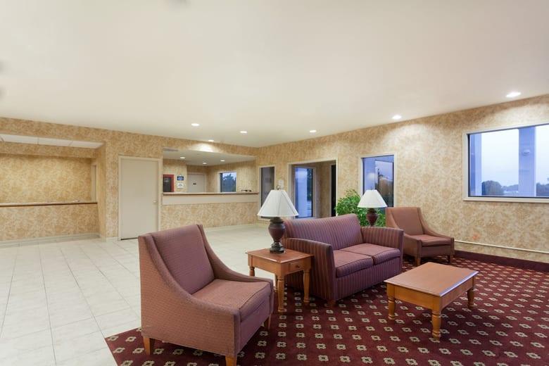 Days Inn Suites Wynne Hotel Lobby In Arkansas