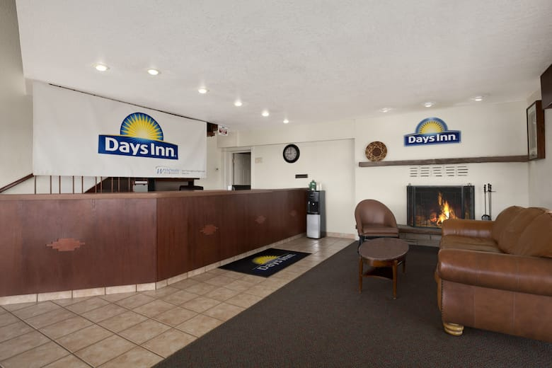 Days Inn By Wyndham Chambers Near The Petrified Forest East Hotel Lobby In Arizona