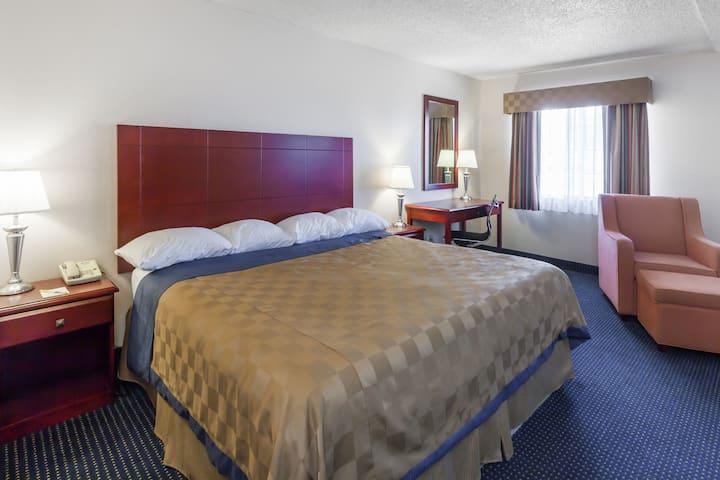 Guest room at the Days Inn Flagstaff I-40 in Flagstaff, Arizona