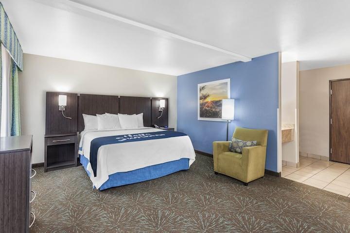 Days Inn & Suites East Flagstaff suite in Flagstaff, Arizona