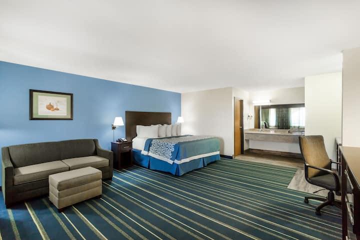 Days Inn Holbrook suite in Holbrook, Arizona