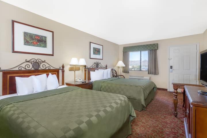 Guest room at the Days Inn Kingman East in Kingman, Arizona