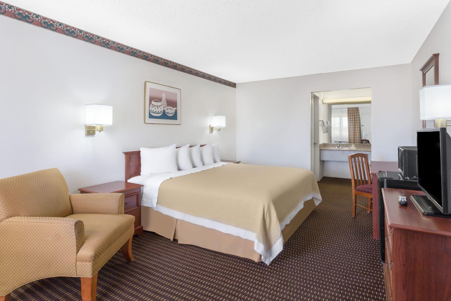 Days Inn By Wyndham Kingman West Kingman Az Hotels