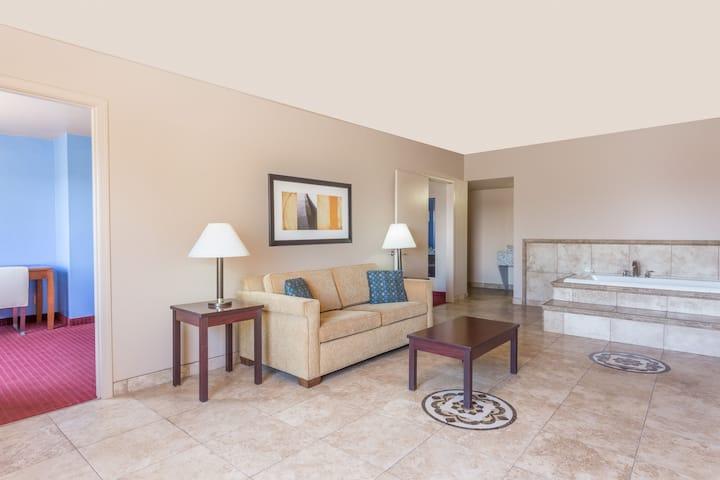 Days Inn & Suites Mesa suite in Mesa, Arizona
