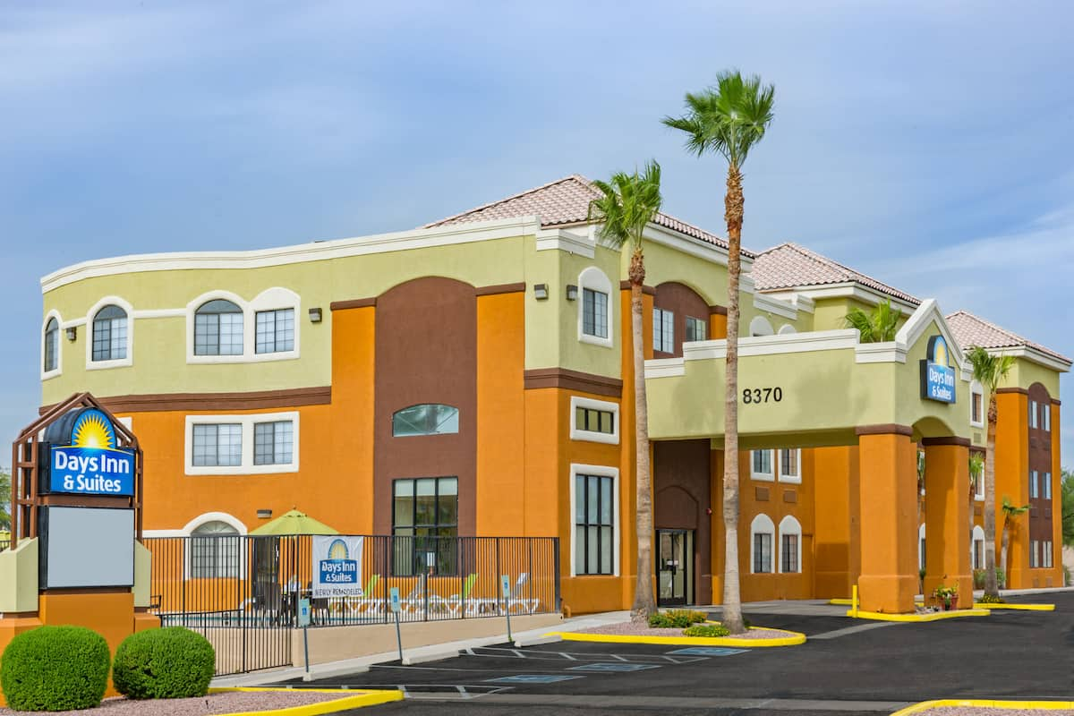 Exterior Of Days Inn Suites By Wyndham Tucson Marana Hotel In Arizona