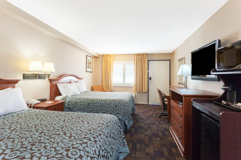 Guest Room At The Days Inn Alhambra Ca In California