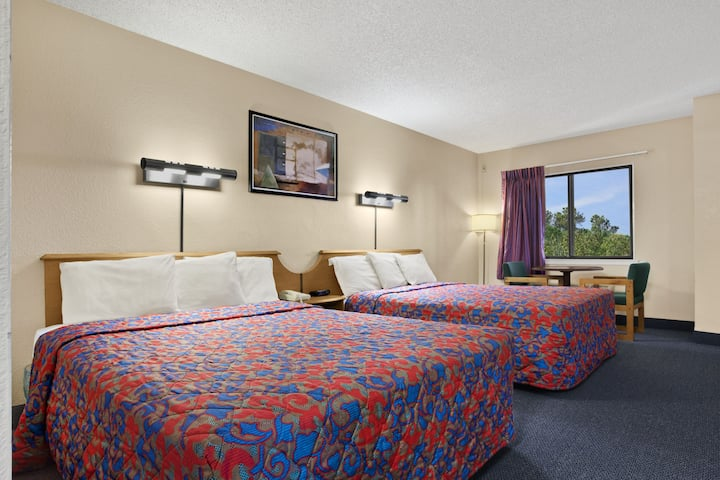 Guest room at the Days Inn Buena Park in Buena Park, California