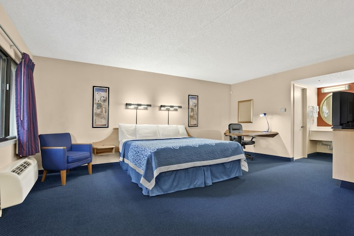 Days Inn Buena Park suite in Buena Park, California