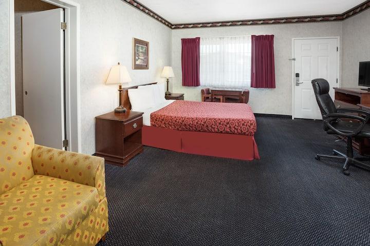 Guest room at the Days Inn Costa Mesa/Newport Beach in Costa Mesa, California