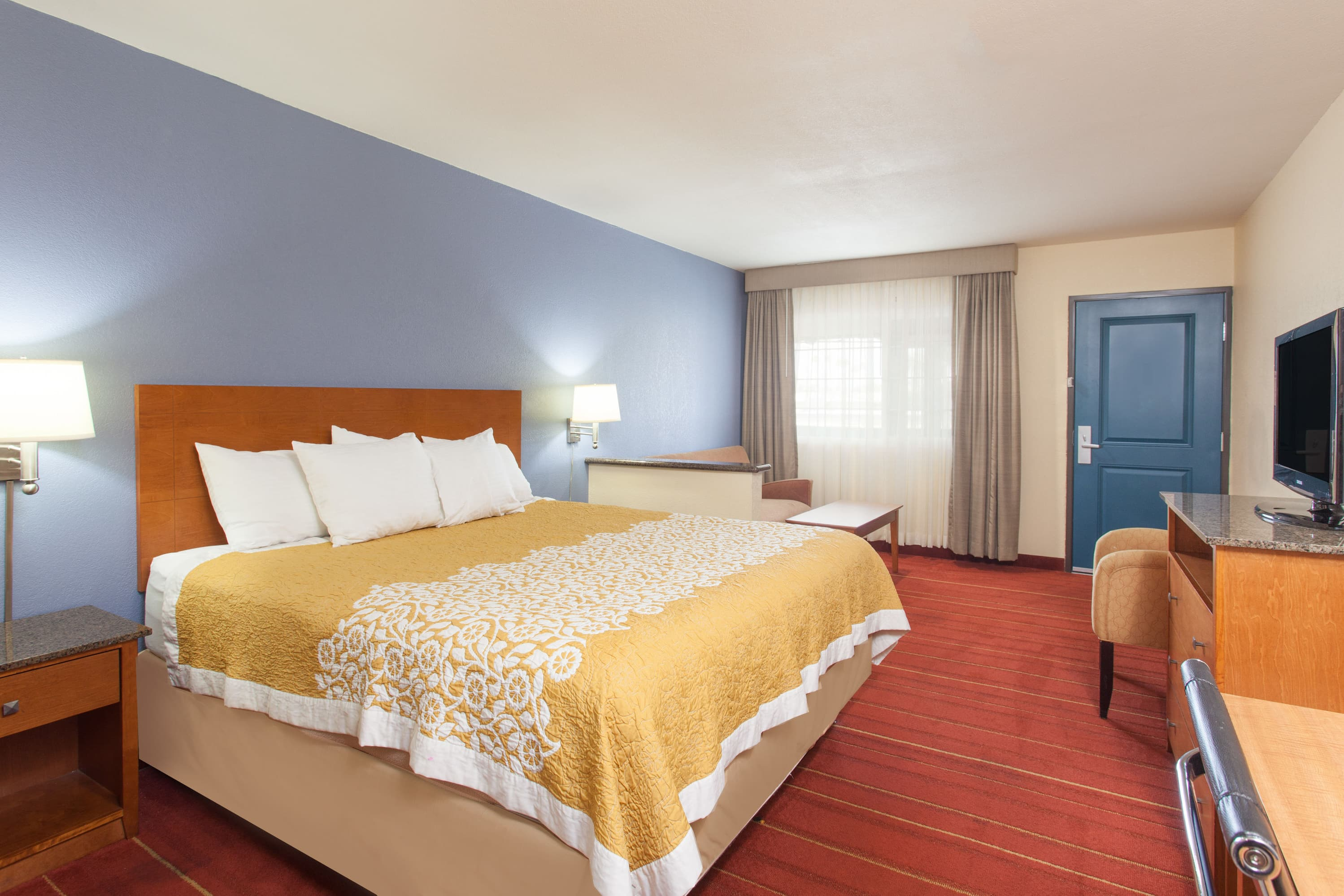 Days Inn San Diego-East/El Cajon suite in El Cajon, California