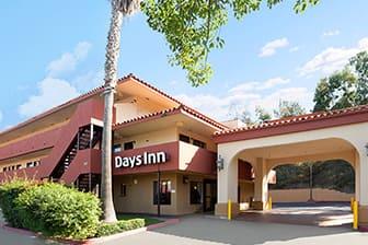 Exterior Of Days Inn By Wyndham Encinitas Moonlight Beach Hotel In California