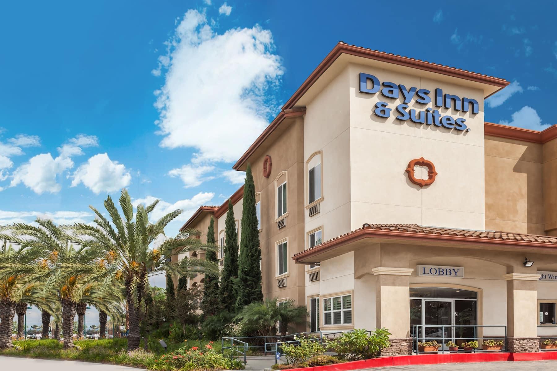 of days inn suites anaheim resort hotel in garden grove california