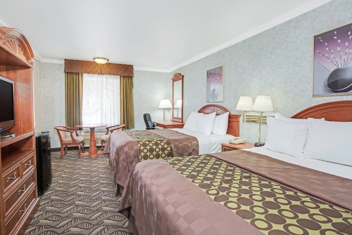 Guest room at the Days Inn Los Angeles LAX/ Redondo And Manhattan Beach in Lawndale, California