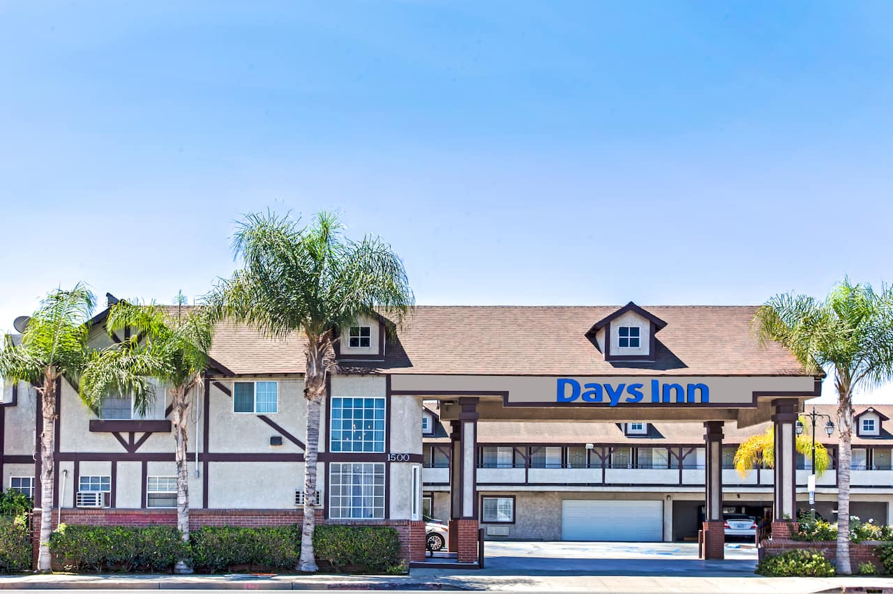 Days Inn Long Beach City Center in Lynwood, California