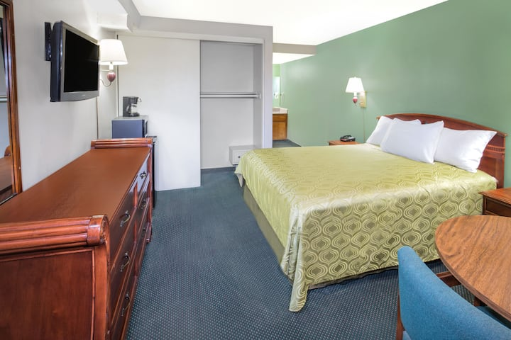 Guest room at the Days Inn Ontario Airport in Ontario, California