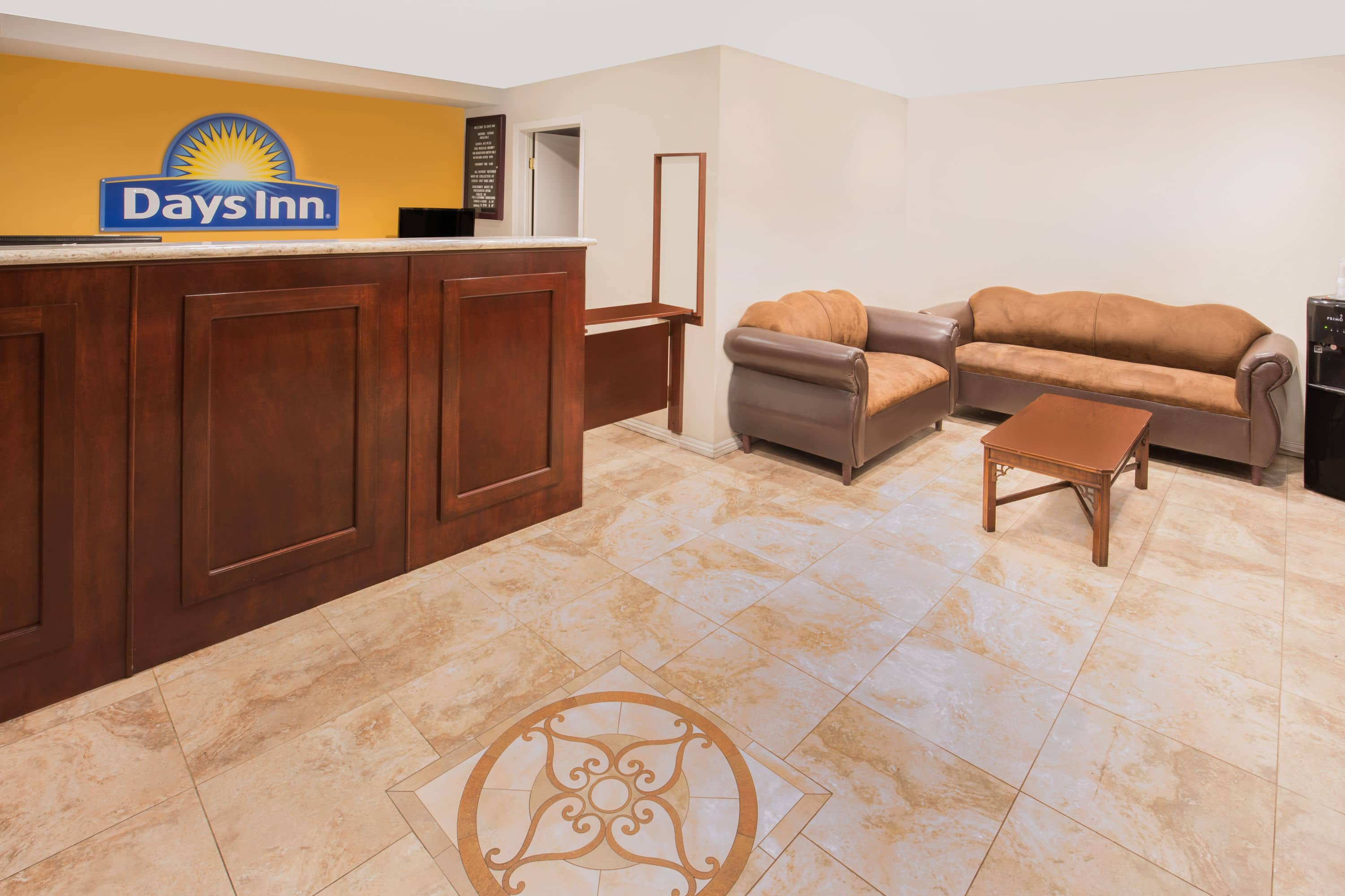 Days Inn Ontario Airport Hotel Lobby In California With Hotels Near Upland Ca