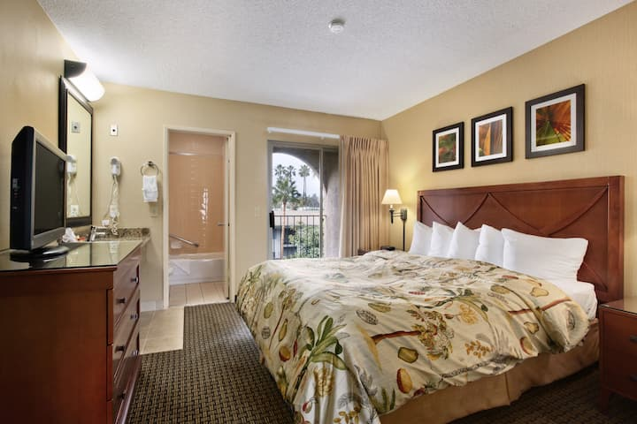 Days Inn And Suites San Diego Near Sea World suite in San Diego, California
