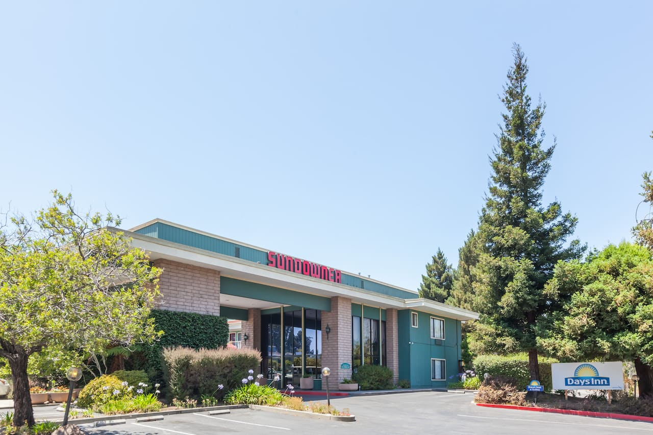 Days Inn & Suites Sunnyvale in Sunnyvale, California