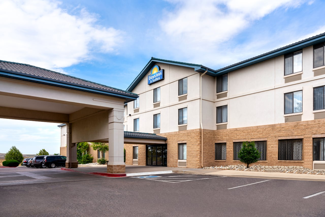 Days Inn & Suites Denver International Airport in Aurora, Colorado