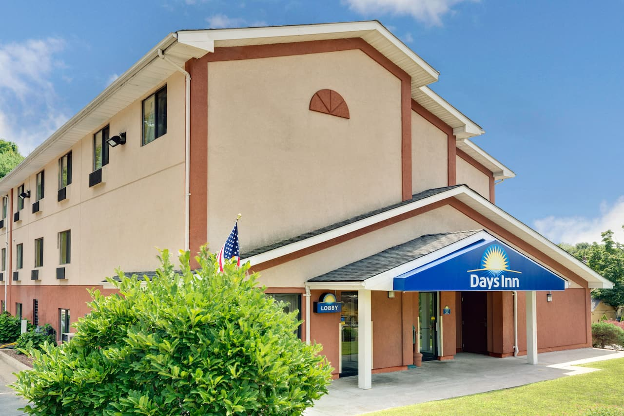 Days Inn Torrington in Bristol, Connecticut