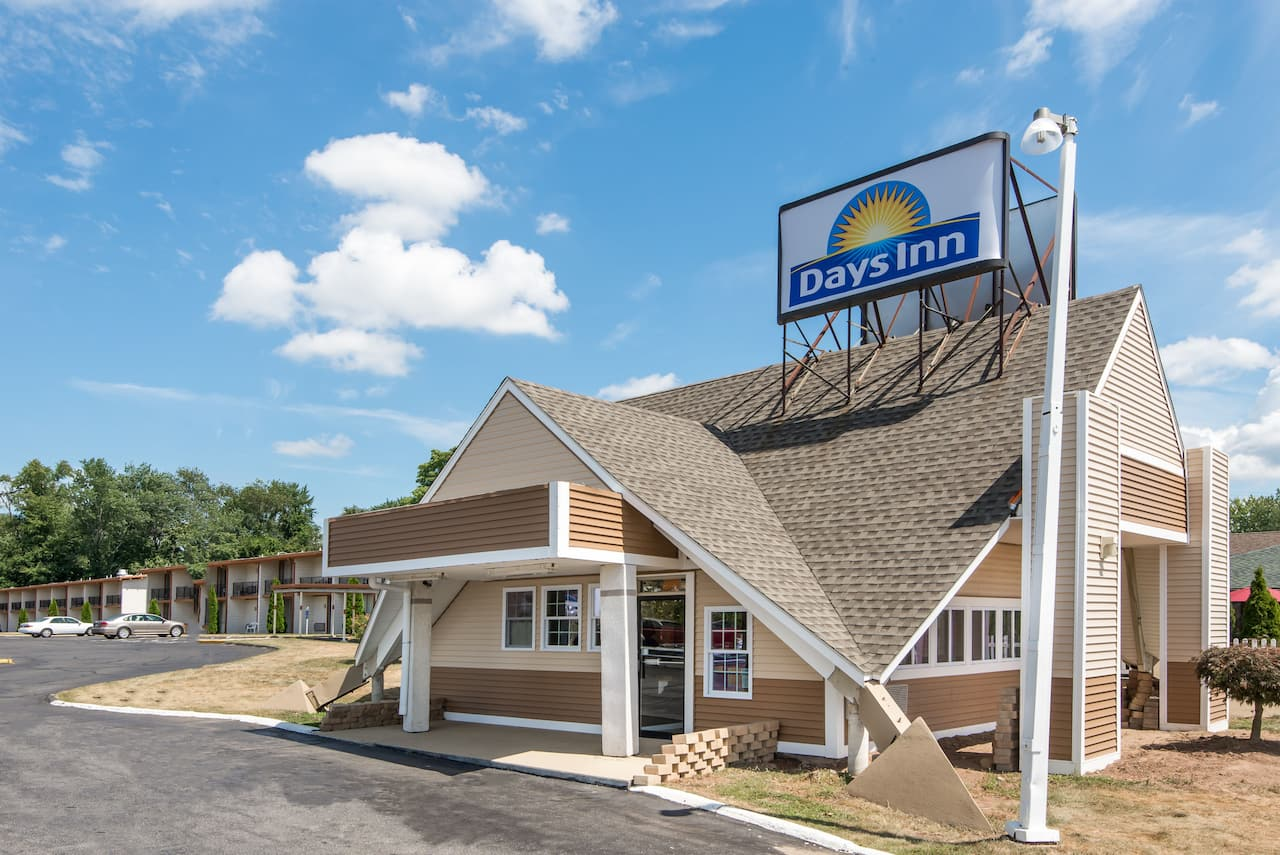 Days Inn Vernon in Manchester, Connecticut