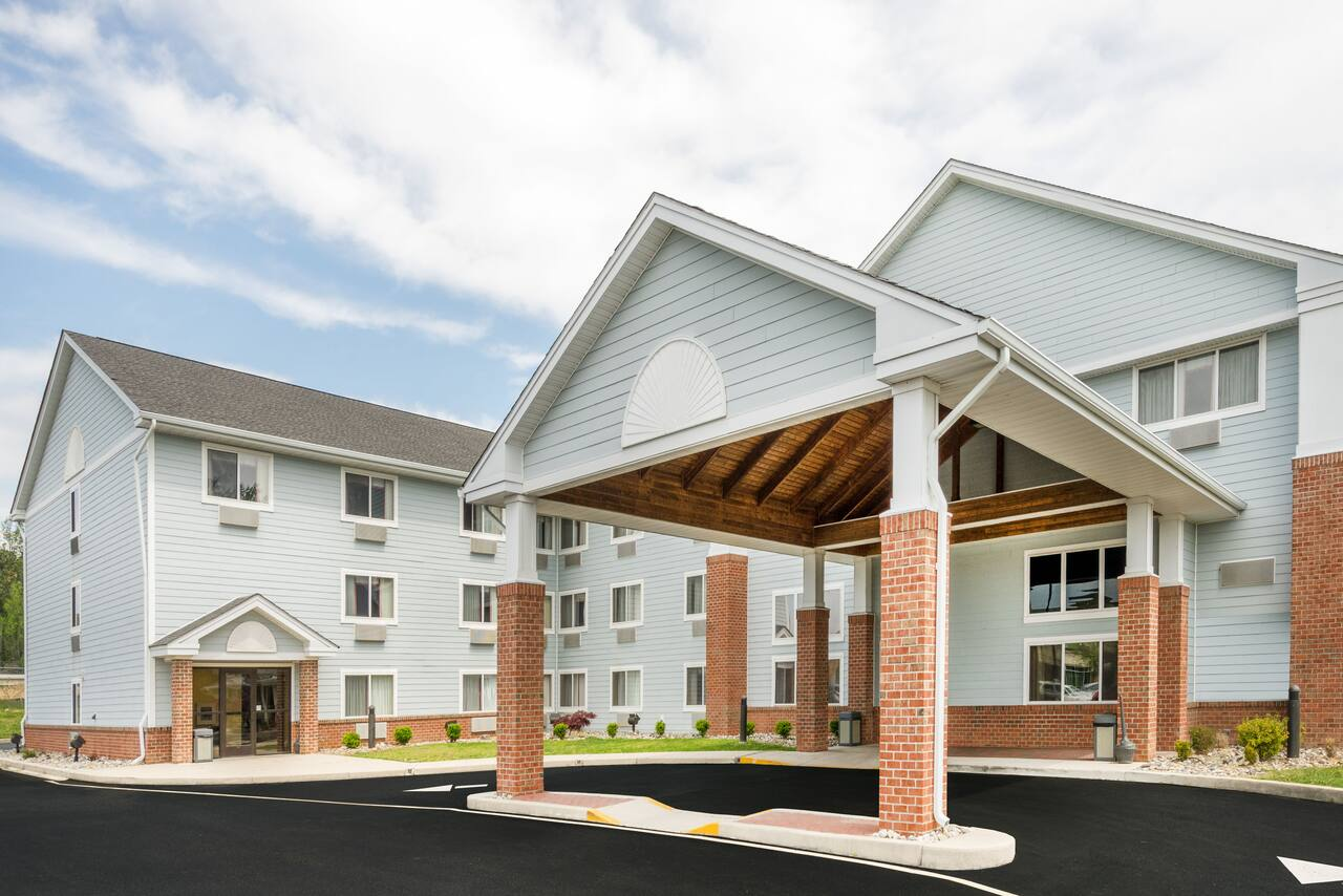 Days Inn & Suites Milford in Dover, Delaware