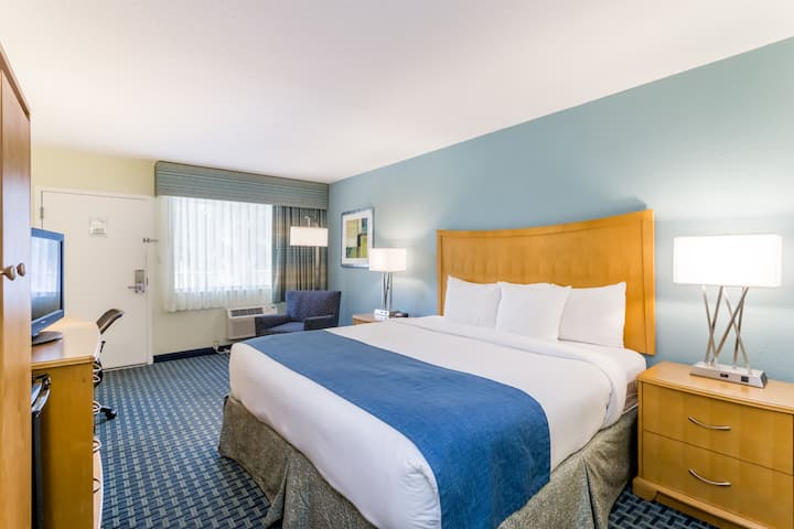 Guest room at the Days Inn Cocoa Beach Port Canaveral in Cocoa Beach, Florida