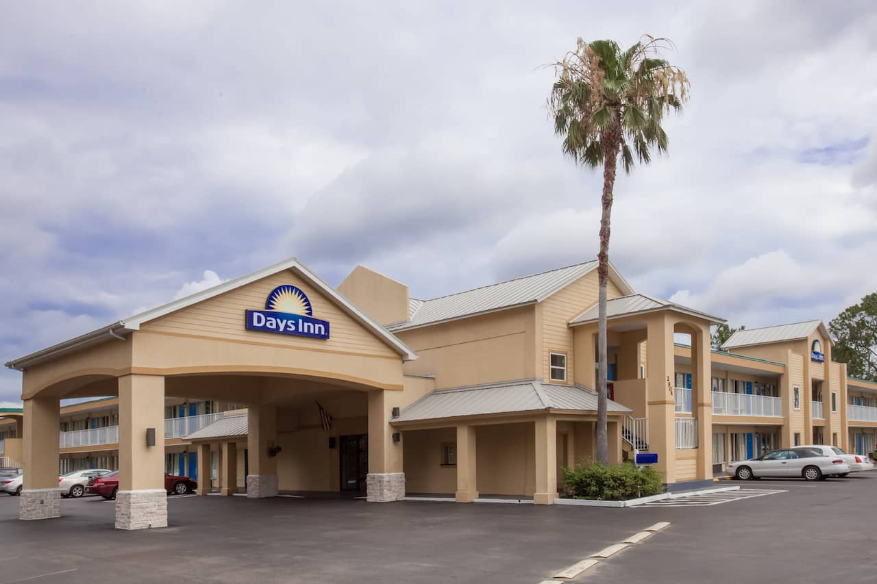 Days Inn Daytona Beach Sdway In Deltona Florida