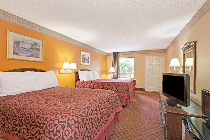 Guest room at the Days Inn Daytona Beach Downtown in Daytona Beach, Florida