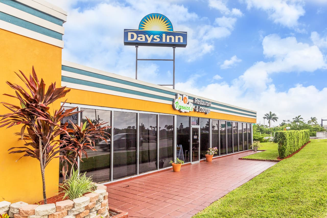at the Days Inn Fort Lauderdale-Oakland Park Airport North in Fort Lauderdale, Florida