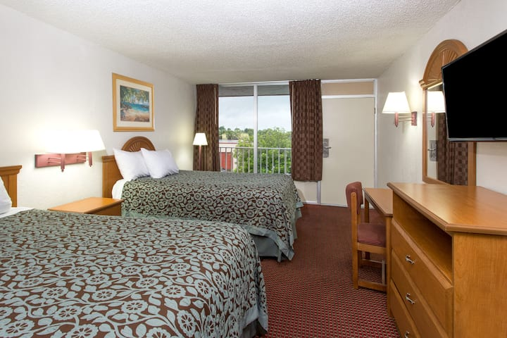 Guest room at the Days Inn Fort Myers in Fort Myers, Florida