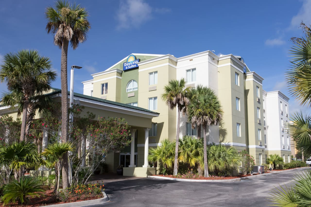 Days Inn & Suites Fort Pierce I-95 in Fort Pierce, Florida