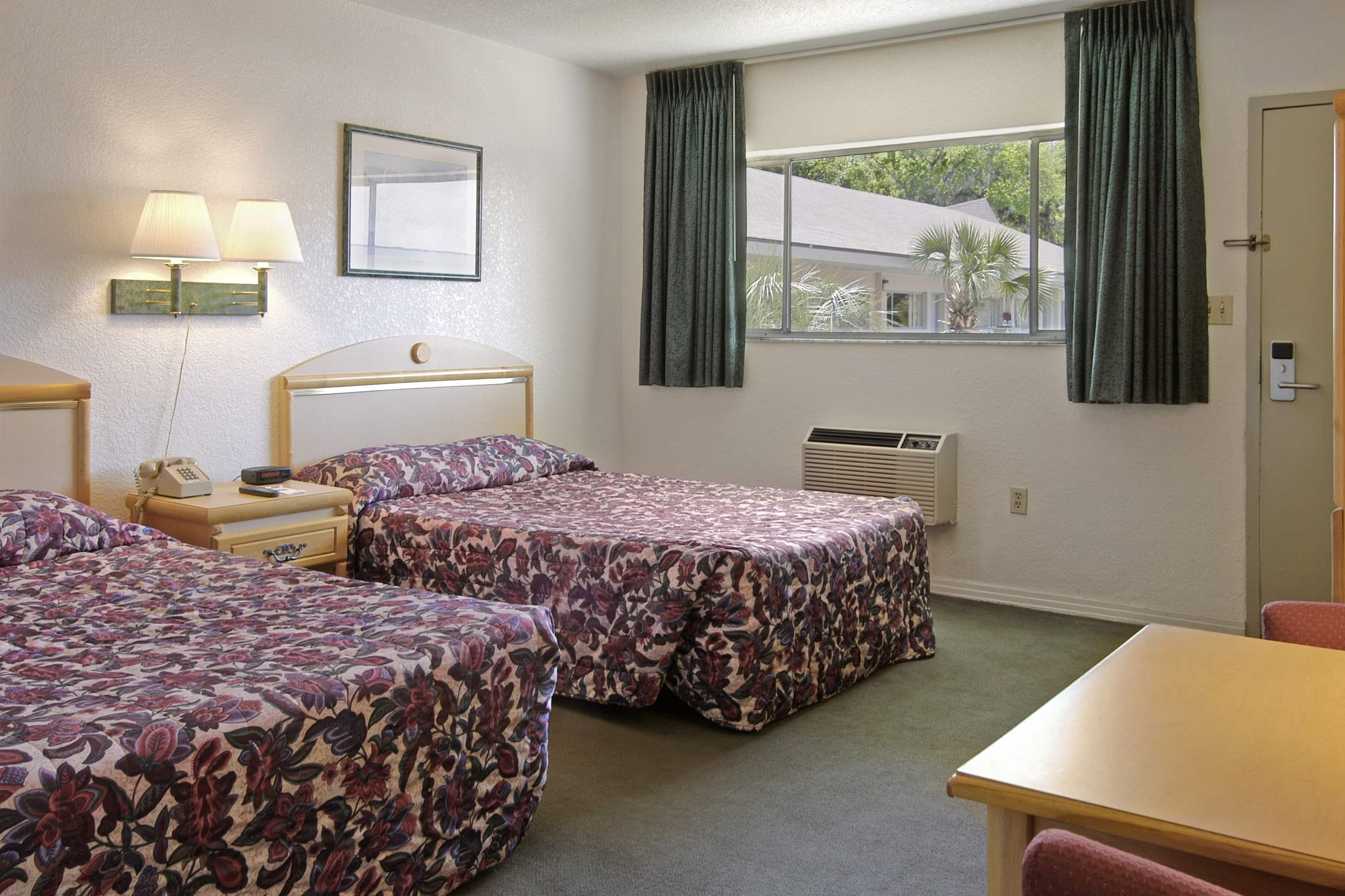 Guest room at the Days Inn Gainesville University in Gainesville, Florida