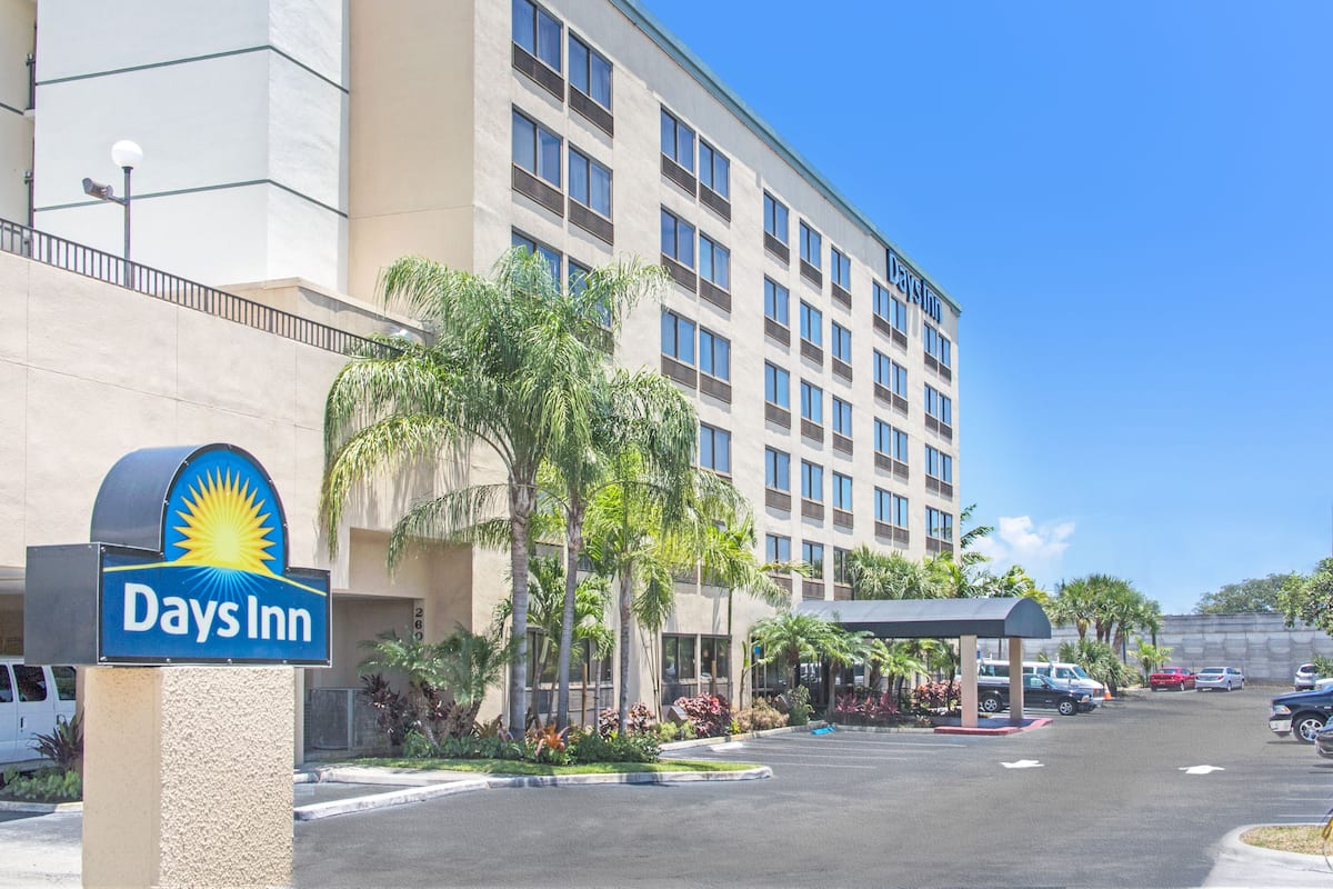 Days Inn by Wyndham Fort Lauderdale Hollywood/Airport South ...
