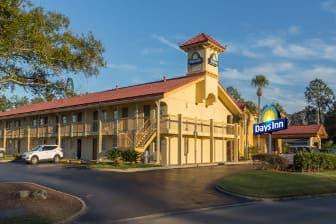 Exterior Of Days Inn By Wyndham Jacksonville Baymeadows Hotel In Florida