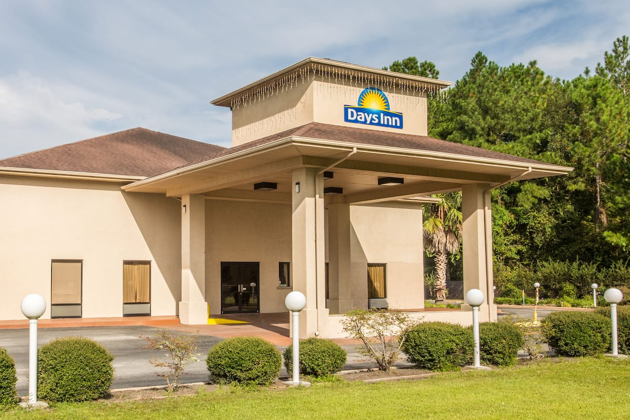 Days Inn Lake City I-10 in Lake City, Florida