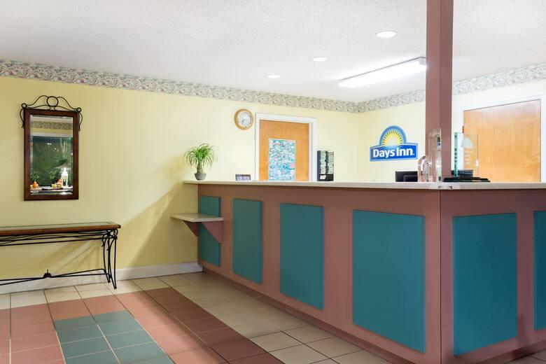 Days Inn Lamont Monticello Hotel Lobby In Florida