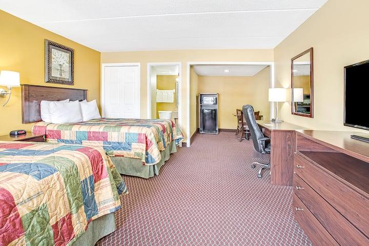 Guest room at the Days Inn Orange City/Deland in Orange City, Florida